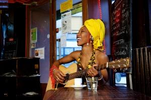 ©Youri Lenquette. France. Paris. 12/2010.  Fatoumata Diawara.