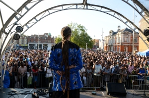 Artistic director Paul Reid addresses the sea of 3000 that flocked to the event
